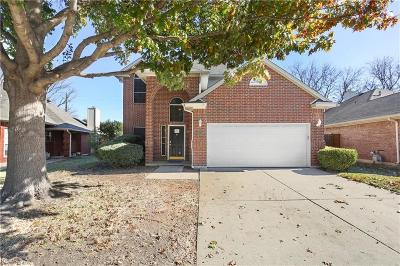 Tarrant County Single Family Home For Sale: 461 Pebblecreek Drive