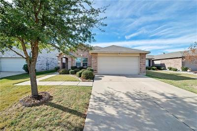 Burleson Single Family Home For Sale: 1374 Emily Court
