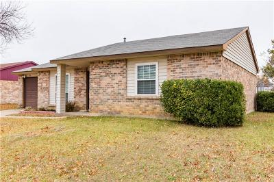 Fort Worth Single Family Home For Sale: 7021 Sandybrook Drive