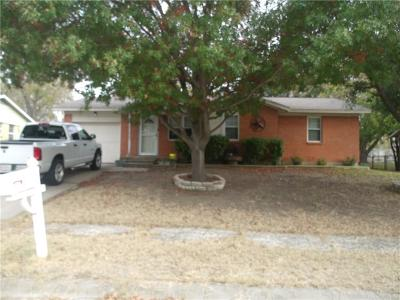 White Settlement Single Family Home For Sale: 8012 Chaparral Drive