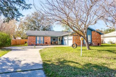 Benbrook Single Family Home For Sale: 1018 Duane Street