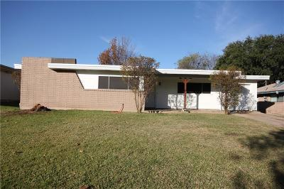 Benbrook Single Family Home Active Option Contract: 1114 Sproles Drive