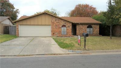 Haltom City Single Family Home For Sale: 5641 Brent Drive