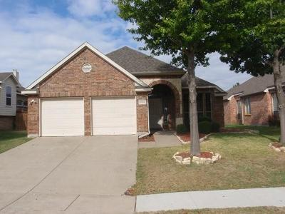 Grand Prairie Single Family Home For Sale: 2536 Marina Drive