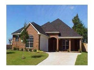 Grand Prairie Single Family Home For Sale: 2931 Crystal Way