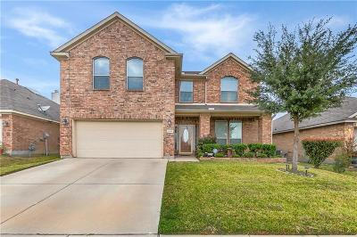 Fort Worth Single Family Home For Sale: 500 Fairbrook Lane