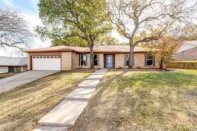 North Richland Hills Single Family Home For Sale: 8312 Elm Court
