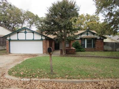 Arlington Single Family Home Active Option Contract: 4505 Deer Lodge Court