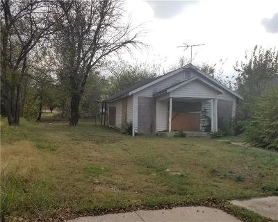 Fort Worth Single Family Home For Sale: 1504 E Leuda Street