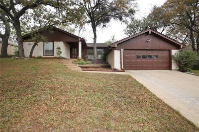 Arlington Single Family Home For Sale: 705 Bert Drive