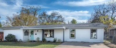 Haltom City Single Family Home For Sale: 5404 Stephanie Drive