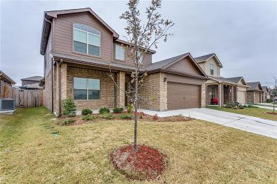 Azle Single Family Home For Sale: 148 Tall Meadow Street