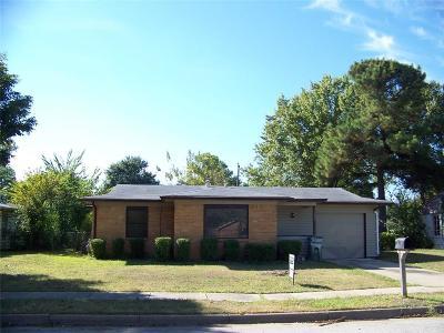 Arlington Single Family Home For Sale: 1002 Sunnyvale Drive
