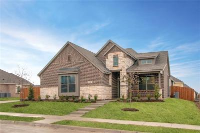 Red Oak Single Family Home For Sale: 124 Dogwood Drive