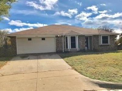 Fort Worth Single Family Home For Sale: 3251 Amber Court