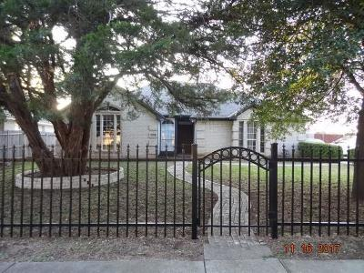 Dallas Single Family Home For Sale: 2945 Spruce Valley Lane
