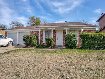 Fort Worth TX Single Family Home For Sale: $125,000