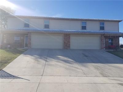 Fort Worth Multi Family Home For Sale: 3152 Karen Street #3154