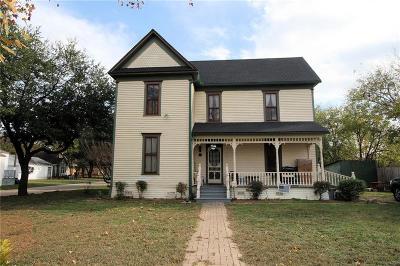 Waxahachie Single Family Home For Sale: 616 Kaufman Street