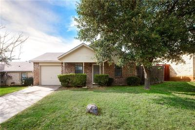 Fort Worth TX Single Family Home For Sale: $164,000