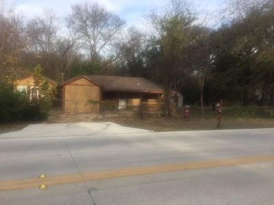 Lake Dallas Single Family Home For Sale: 617 Main Street