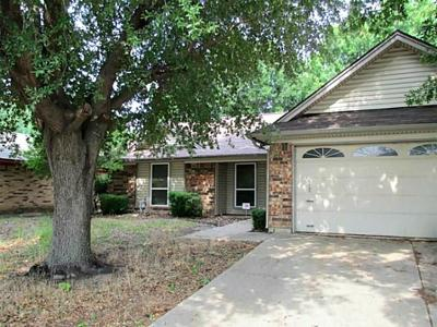 Dallas, Fort Worth Single Family Home For Sale: 6905 Wayfarer Trail
