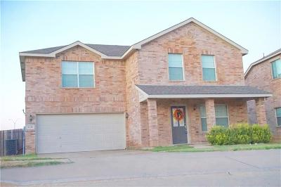 Fort Worth Single Family Home For Sale: 1136 April Springs Drive