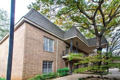 Fort Worth Condo For Sale: 4420 Harlanwood Drive #228