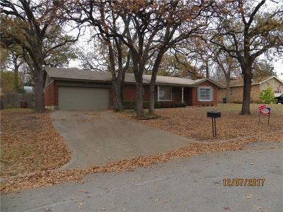 Hurst, Euless, Bedford Single Family Home For Sale: 844 Woodcrest Drive