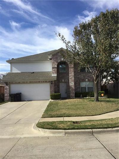 Fort Worth Single Family Home For Sale: 10160 Chapel Rock Drive