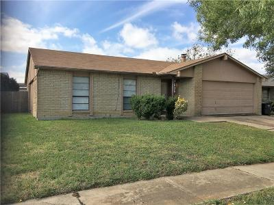 Fort Worth Single Family Home For Sale: 7636 Parkwood Lane
