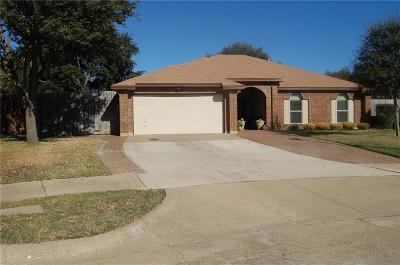 Flower Mound Single Family Home Active Contingent: 2217 Bershire Drive S