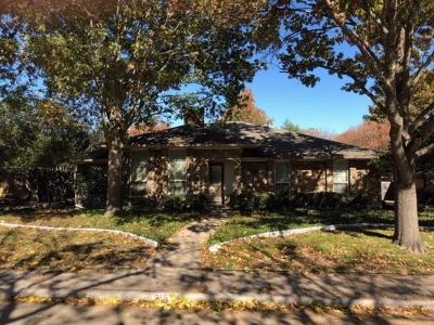 Waxahachie Single Family Home Active Contingent: 215 Hacienda Drive
