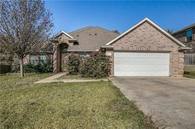 Arlington Single Family Home For Sale: 3415 Ledbetter Court