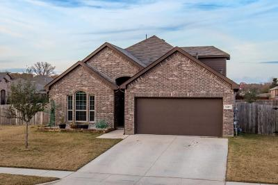 Azle Single Family Home For Sale: 1201 Glenwood Drive