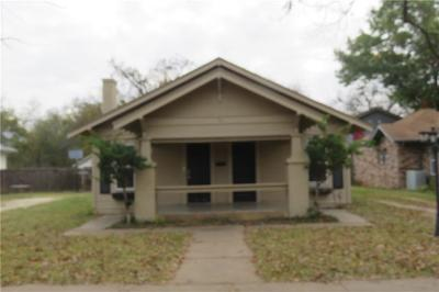 Cleburne Single Family Home For Sale: 111 Bellevue Drive