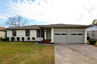 Lancaster TX Single Family Home For Sale: $139,000