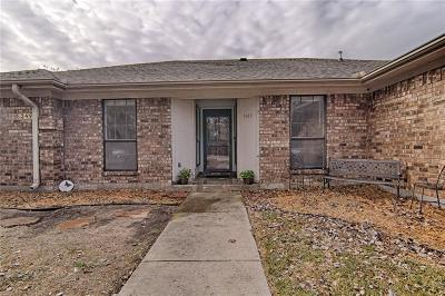 North Richland Hills Single Family Home For Sale: 5349 Bob Drive