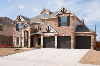 Grand Prairie Single Family Home For Sale: 2612 Grand Colonial