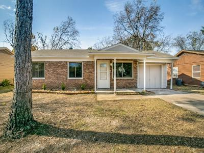 Arlington Single Family Home For Sale: 1506 Lackland Street