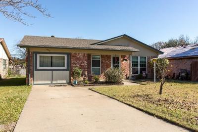 White Settlement Single Family Home For Sale: 612 Hallvale Drive
