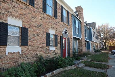 Hurst, Euless, Bedford Townhouse Active Option Contract: 145 Winchester Drive