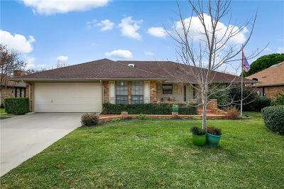 Hurst, Euless, Bedford Single Family Home Active Contingent: 1021 Calloway Drive