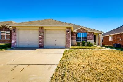 Fort Worth Single Family Home For Sale: 9616 Bragg Road