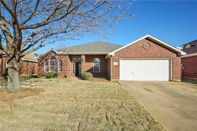 Grand Prairie Single Family Home For Sale: 2732 Excalibur Drive