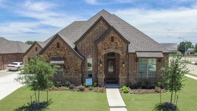 North Richland Hills Single Family Home For Sale: 7820 Sevenoaks Drive