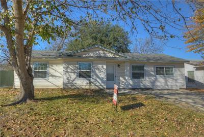 Arlington Single Family Home For Sale: 1702 Arbor Lane