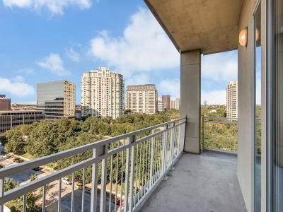 Dallas Single Family Home For Sale: 3225 Turtle Creek Boulevard #948
