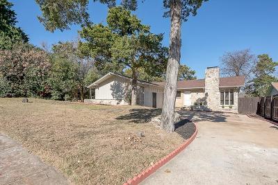 Dallas Single Family Home For Sale: 1017 Highland Oaks Drive
