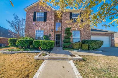 Tarrant County Single Family Home For Sale: 13817 Hunter Jake Drive